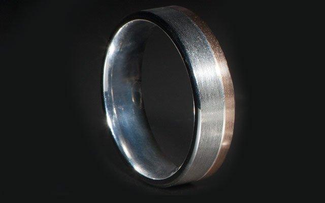 0113-ringsmen1_640s.jpg