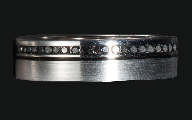 0113-ringsmen2_640s.jpg