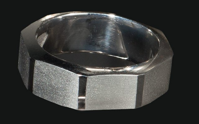 0113-ringsmen3_640s.jpg