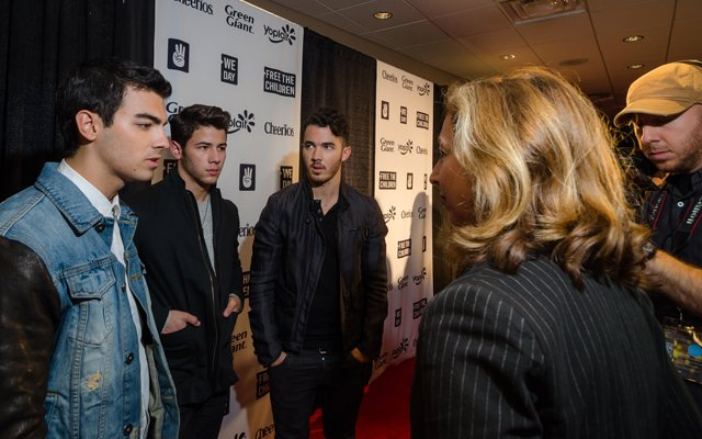 Allison Kaplan interviews the Jonas Brothers at We Day ...