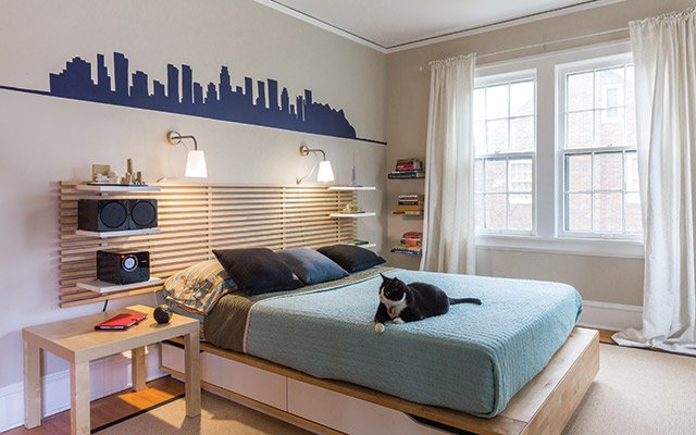 Painted skyline in a kid's room by Daisy Mitchell of Ho...