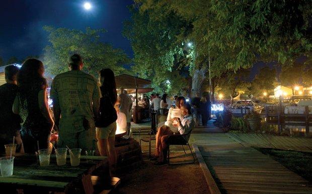 The patio at Bayside Grill on Lake Minnetonka