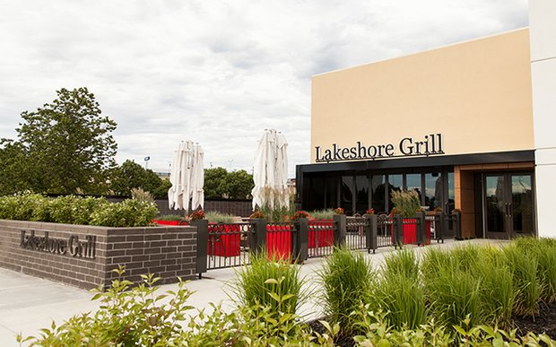 Exterior of Lakeshore Grill at Ridgedale Center, Minnetonka