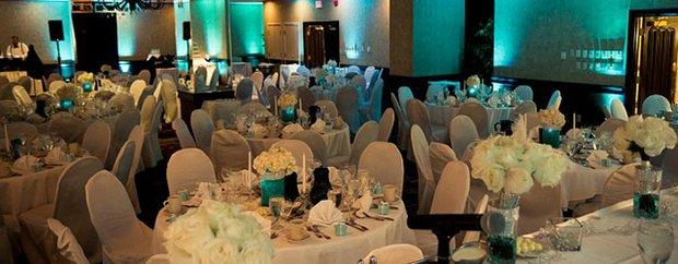 Embassy Suites Minneapolis interior.