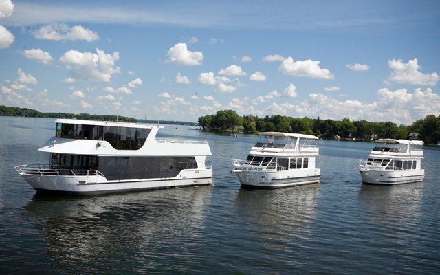 Lake Minnetonka charter yachts from Paradise Charter Cruises
