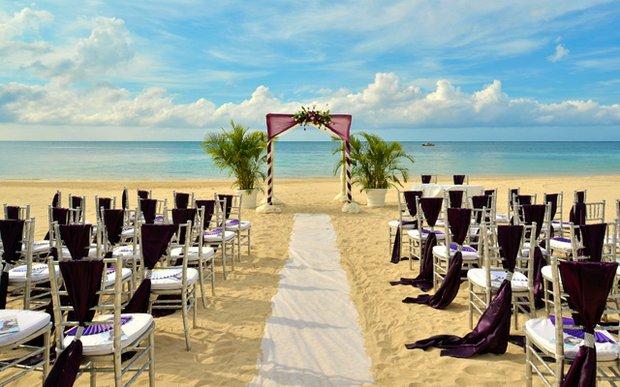 Destination wedding at Iberostar Grand Hotel Rose Hall