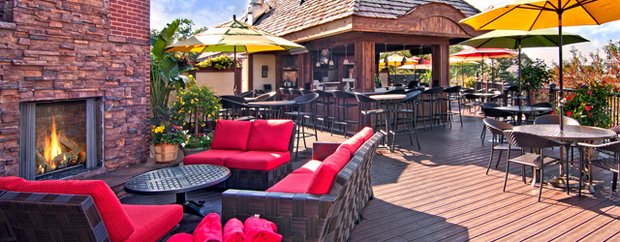 Patio of Best Western White Bear Lake