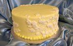 pj murphy's st. paul yellow small wedding cake