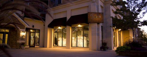 Exterior of Bella Bridal Boutique Woodbury