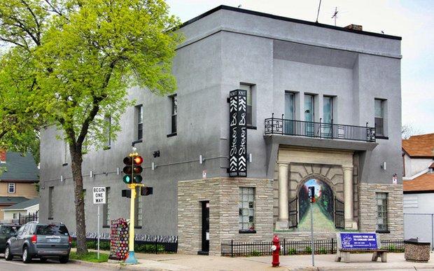 Exterior of StevenBe: A Yarn Garage Workshop in Minneapolis