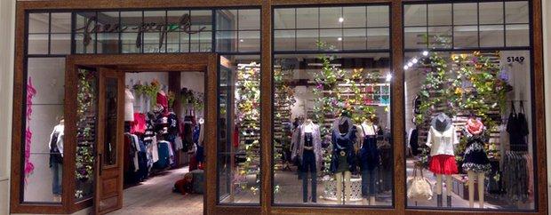 Exterior of Free People at Mall of America