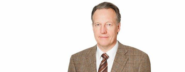 Dr Daniel D Buss