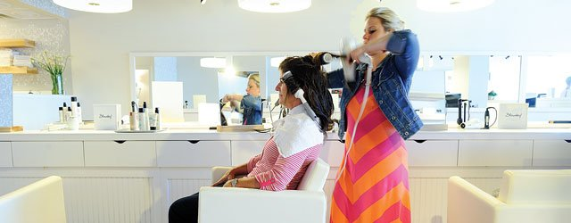 Blow-Dry Bars Heat Up
