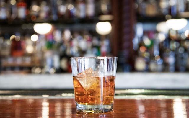 DrinkLikeElizDehn-640.jpg