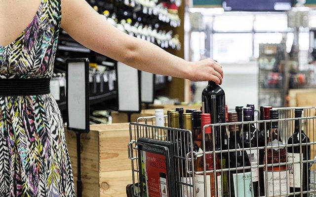 WineSale2-640.jpg