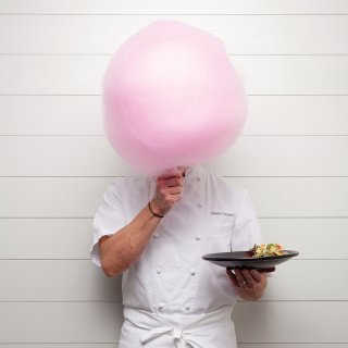 Chef Gavin Kaysen with his signature cotton candy at Spoon and Stable