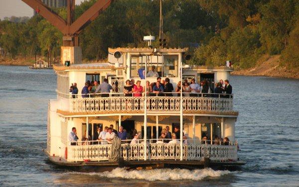 Paddleford-Cruises-640.jpg