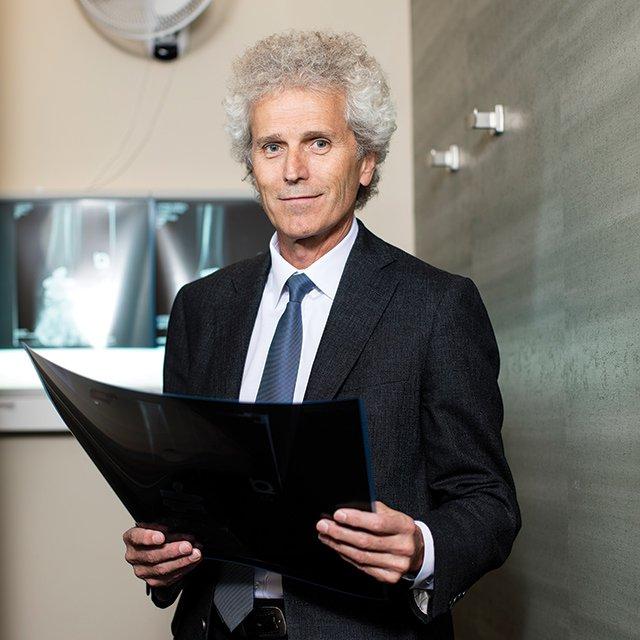Dr. J. Chris Coetzee