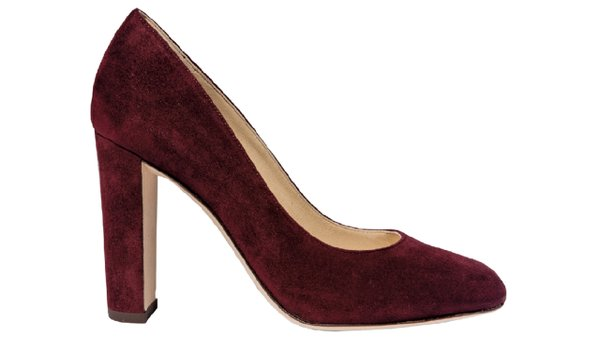 Red Laria pump in Bordeaux