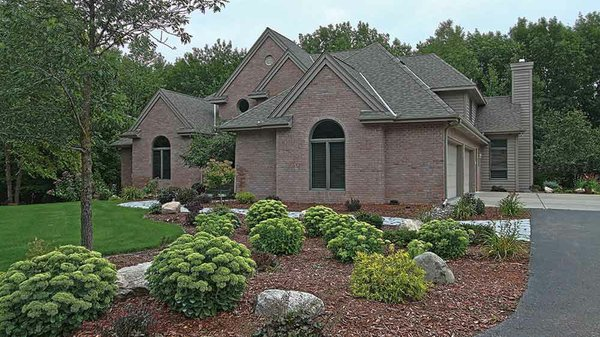 Edina Realty Exceptional Properties Oct 16 e14a