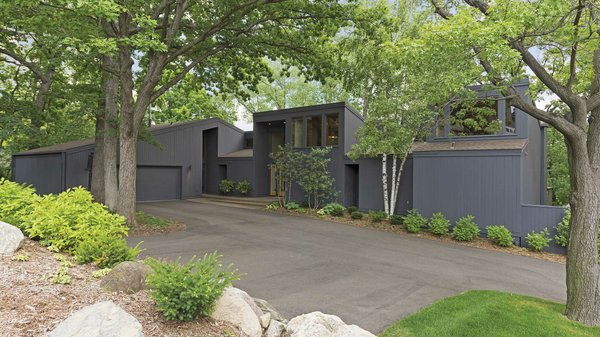 Edina Realty Exceptional Properties Oct 16 e1a