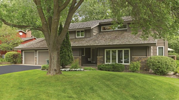 Edina Realty Exceptional Properties Oct 16 e2f