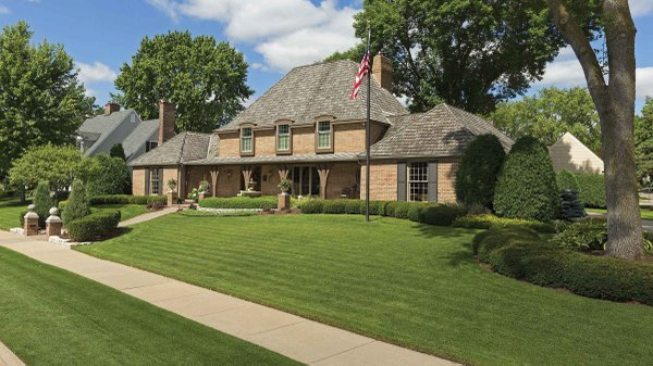 Edina Realty Exceptional Properties Oct 16 e5c