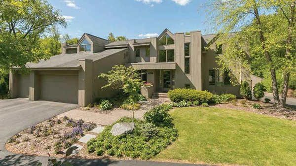 Edina Realty Exceptional Properties Oct 16 e9c