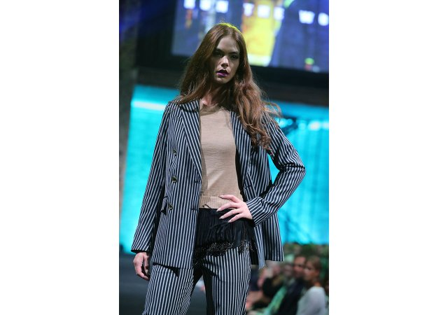 Fashiononpolis-2016_Fall-Fashion-striped-suit.jpg