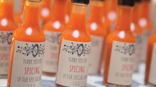 Louisiana-hot-sauce.jpg