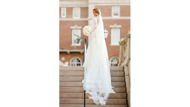 eye_catch_bride_dress.jpg