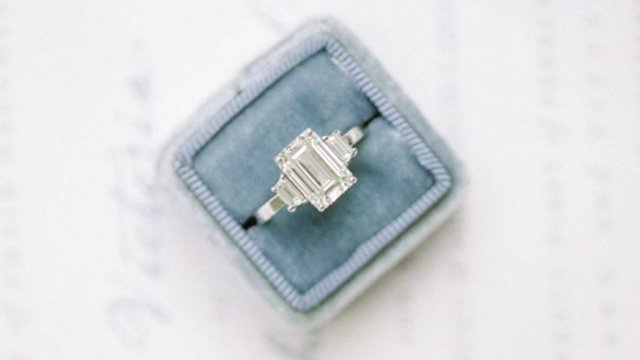 JB Hudson Jewelers, Wedding ring in box