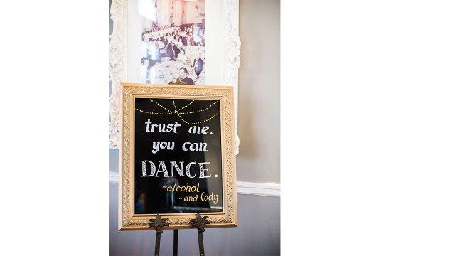 10.groom-cant-dance-sign.jpg