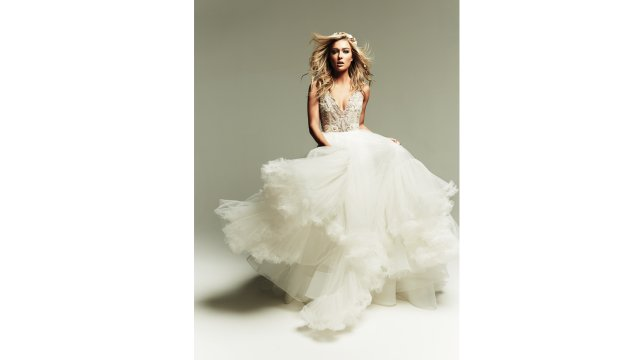 02_full-layered-skirt_Georgie-dress_by-Hayley-Paige-from-aandbe-bridal-shop.jpg