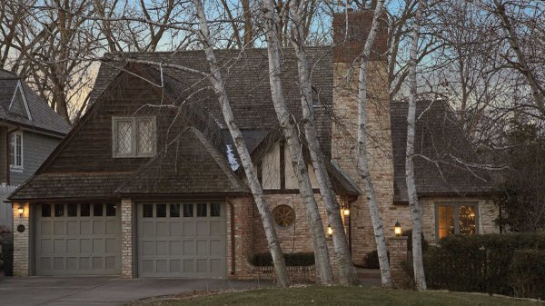 Edina Realty Exceptional Properties Feb 17 e3e