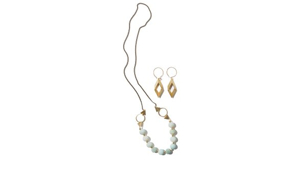 Earings-and-necklace-made-by-Larissa-Loden.jpg