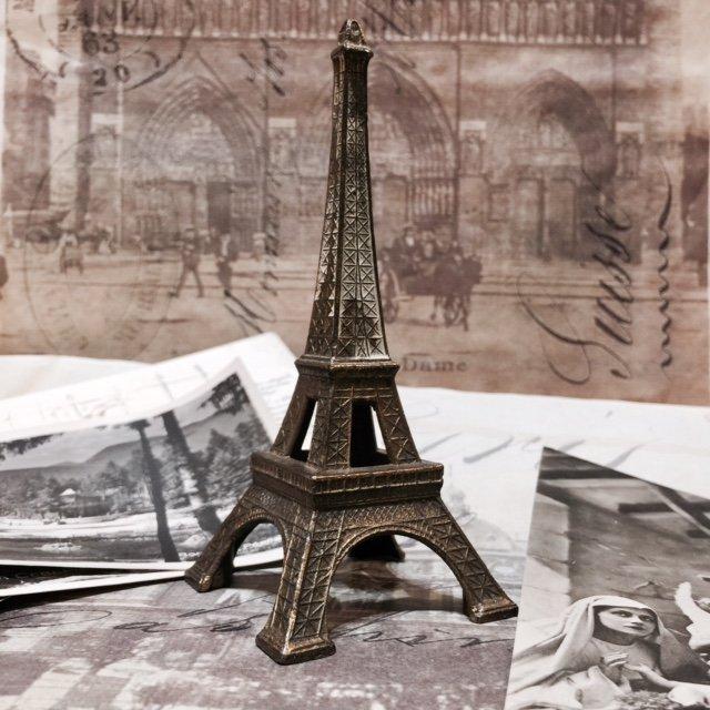 ParisFlea-Eiffel.jpeg