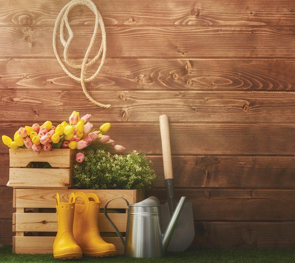 Charmant Garden Supplies
