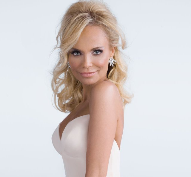 Actress and singer Kristin Chenoweth