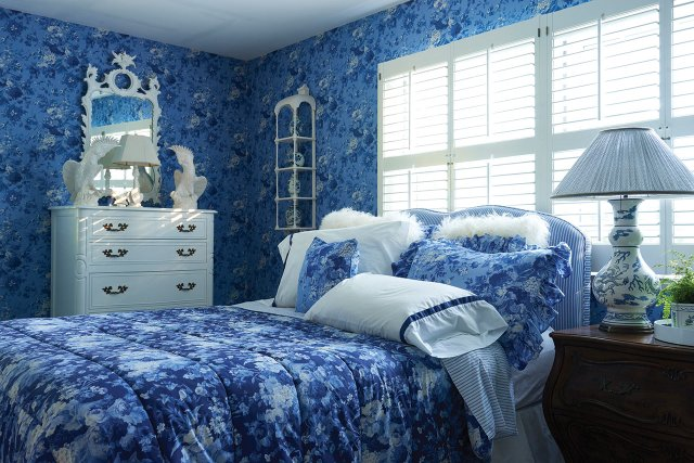 The 'Wallpaper House' bedroom in Golden Valley