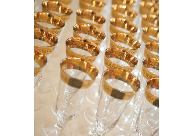 Gold-rim-champagne-glasses.jpg