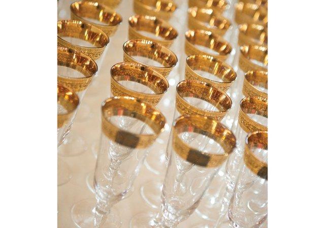 Gold-rim-champagne-glasses.jpg