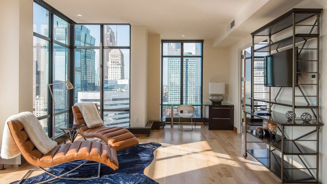 Bachelor Pad in Downtown Minneapolis