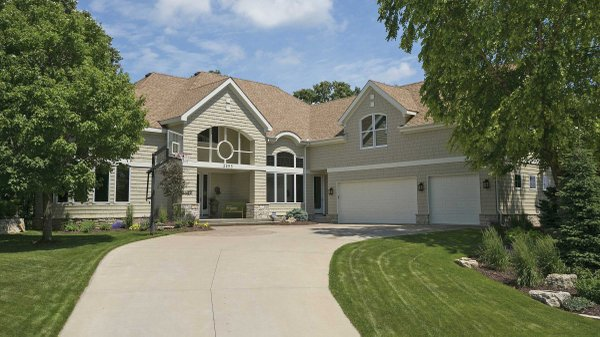 Edina Realty Exceptional Properties May 17 e7b