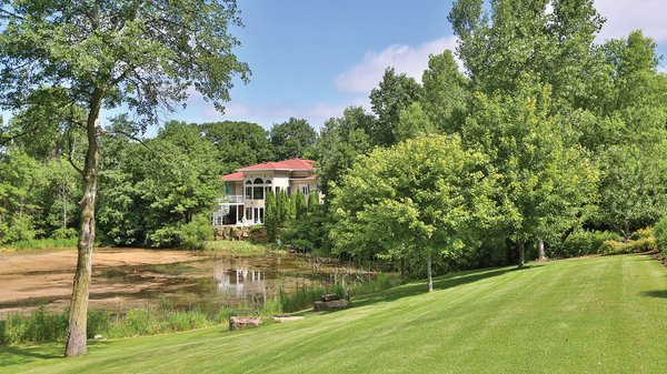 Edina Realty Exceptional Properties May 17 e17a
