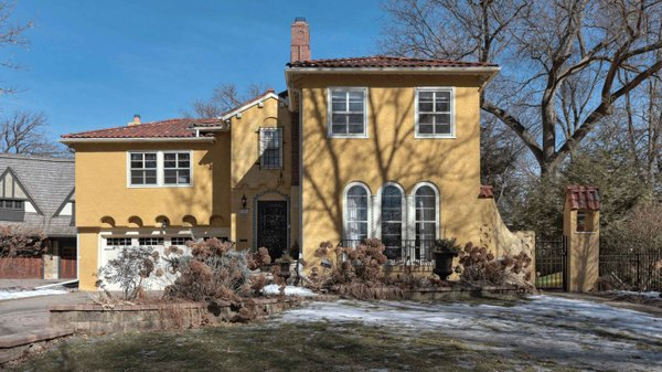 Edina Realty Exceptional Properties May 17 e2b
