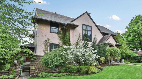 Edina Realty Exceptional Properties May 17 e11b