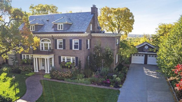 Edina Realty Exceptional Properties May 17 e2a