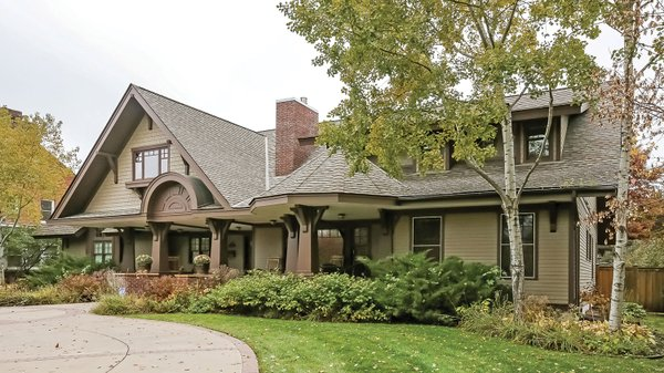 Edina Realty Exceptional Properties May 17 e6a