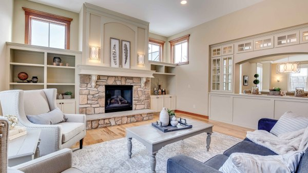 Edina Realty Exceptional Properties May 17 e13d